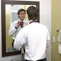 Суета: Мъжете стоят пред огледалото повече от жените