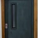 Ако мине номерът: Колко струват 3 минути в асансьорната шахта?