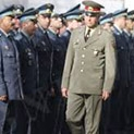 Дефицит в казармите: Търсят под дърво и камък полковници за армията