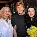 Певицата Мария Грънчарова: Мама и татко се борят с рака