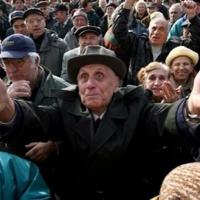 Читателят спори: Средно месечният доход в България не е реален