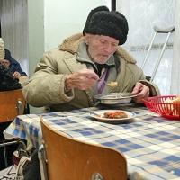 Срамота: Чак от 6 януари започва раздаването на храни за 255 000 бедни българи
