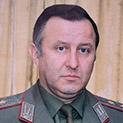 Ген. Стоян Топалов, бивш адютант на Добри Джуров: Видях началник щаб на армията да продава вестници