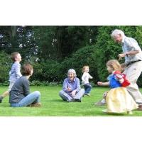 Удоволствието да тичаме след внуцитe
