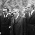 Стари кримки от печата: Приклекнали в кабинета на Хараламби Трайков-Бушо