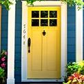 Евтино: Седем начина да боядисаме вратите без пари