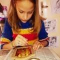 10-годишно момиче рисува икони, за да помага на приятелка