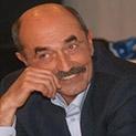 Писателят Димитър Шумналиев: Автоцензурата скапва демокрацията с удобните си гюбеци