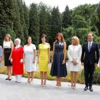 Евроценности: Снимка с гей си направиха съпругите на НАТО-лидерите