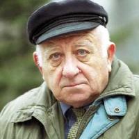 Писателят Георги Мишев става за резил на стари години