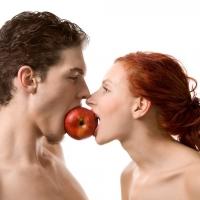 Четиво за нежни души: Защо мъжете не обичат умните жени?