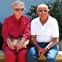 Пенсионерите - с електронен картон, получават парите си във всяка поща