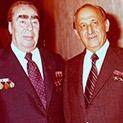 Случки от вчера: Живков и Брежнев – с общ шивач