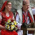 Традиция: Старите български сватби – ритуали, песни, трапези