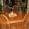 Масата за хранене е естествен център на дома