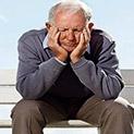 Защо пенсионерът от фалирала Гърция е на море, а нашият - на хляб и мляко