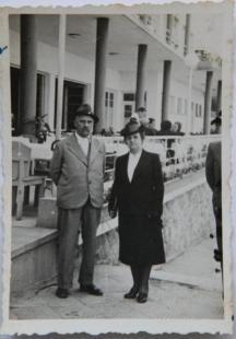 Писателят със съпругата си
