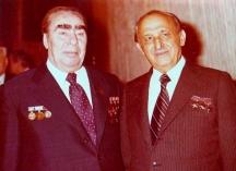 Брежнев завидял на елегантните костюми на българския лидер