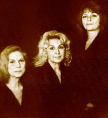 Три големи дами на българския театър - Емилия Радева, Гинка Станчеча и Невена Коканова