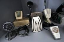 Сбирката от стари уникални микрофони от миналите години.