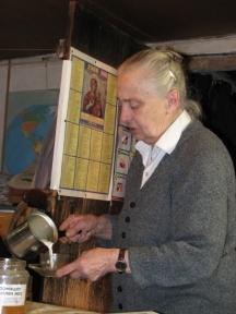Вдовицата на големия актьор не обича да се връща в София