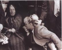 В дома й в Петрич години наред посетителите не свършваха