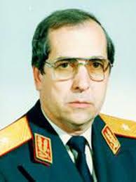 Бояджиев в мундира на генерал майор от българското външнополитическо разузнаване