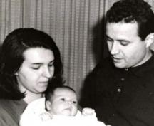 Първа рожба - малката Евгения Живкова с мама и татко