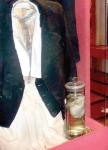 Сърцето на поета и неговия адвокатски костюм се пазят в родната му къща в Свищов