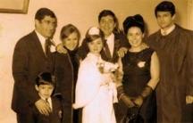 Сватбата на Надя Топалова и Георги Джубрилов. Кумува Иван Вуцов. Крайният вдясно е приятелят на младото семейство футболната легенда Георги Аспарухов-Гунди