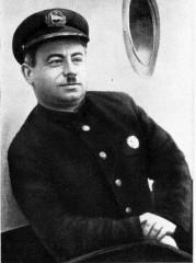 Иван Папанин, на когото била посветена поемата