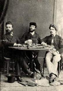 Отляво надясно: Христо Ботев, Никола Славков и Иван Драсов в Румъния, 1875 г.