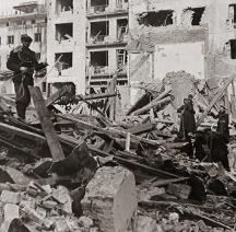 Въпреки обещанията на Хитлер София била жестоко бомбардирана от англичаните и американците