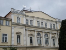 Сградата на Факултета по журналистика днес