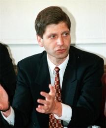 Жан Виденов като премиер обядвал и вечерял с каквото падне – сандвичите му са всекидневие