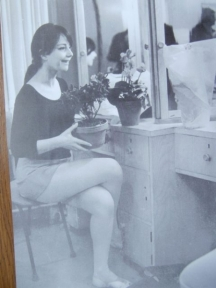 Незабравимата Невена Коканова в своята гримьорна. Снимка Георги Панамски