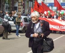 Фоторепортерът Иван Стоименов - пред авангарда на шествието