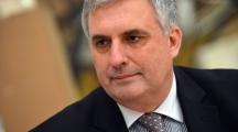 Социалният министър Ивайло Калфин признава, че контролът сега е невъзможен. Но вижда решение далеч във времето.