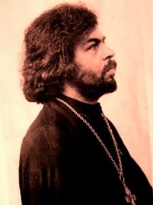 Един от най-популярните фотопортрети на духовника.