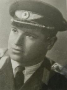 Пилотът ветеран Слав Добрев Петков