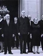 Във Франция - Тодор Живков и съпругата му на визита при френския президент Шарл де Гол