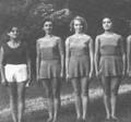 Част от националния отбор по художествена гимнастика през 50-те години на миналия век. Третата отляво надясно е Елисавета Мирчева (тогава Юлова).