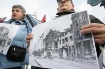 Софиянци протестират срещу мемориала на пилотите, бомбардирали София
