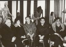 Стефан Гецов (крайният вдясно) в компанията на Тодор Живков и министъра на културата Георги Йорданов.