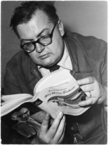 Швейцарският драматург, белетрист и есеист Фридрих Дюренмат (1921-1990)