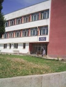 Стъкларският техникум в Белослав, където е учил Сокола - днес това е професионалната гимназия