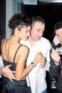 Мехмет със съпругата си - актрисата Арзум Онан
