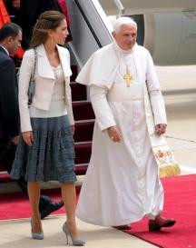 Йорданската кралица с папа Бeнедикт XVI.