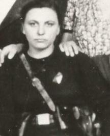 Дъщерята Пръвка (Бойка) Софрониева - на 25 години, партизанка от ломския отряд