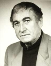 Станко Михайлов и част от неговите книги